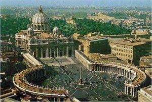 Hérésies adoptées par l'Église Catholique  dans religion piazza_san_pietro1-300x202